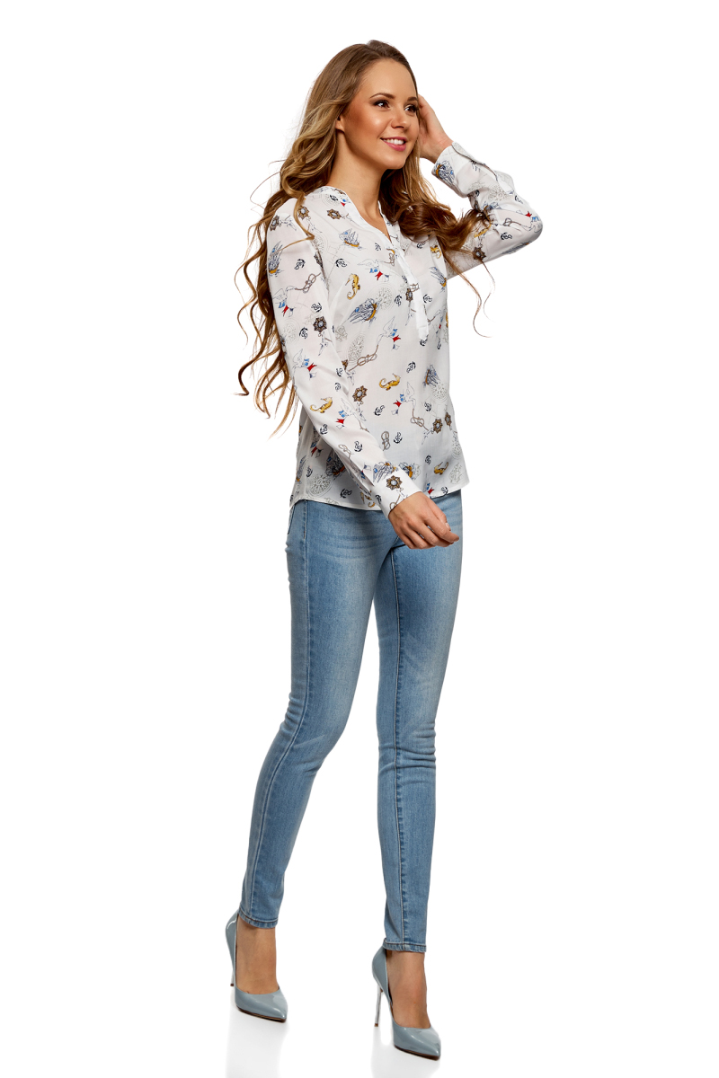 Блузка женская oodji Collection, цвет: кремовый, серо-синий. 21400394-1B/24681/3074O. Размер 38-170 (44-170)21400394-1B/24681/3074OБлузка от oodji выполнена из натуральной вискозы. Модель с длинными рукавами и V-образным вырезом горловины на груди застегивается на пуговицы скрытые под планкой.