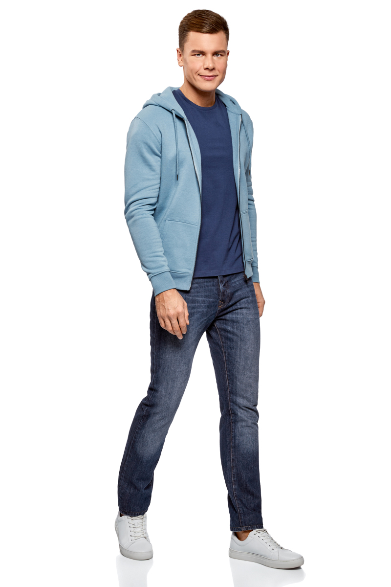 Джинсы мужские oodji Basic, цвет: голубой джинс. 6B120051M/45068/7400W. Размер 32-34 (50-34)6B120051M/45068/7400WДжинсы от oodji выполнены из хлопкового эластичного денима. Модель Slim в поясе застегивается на пуговицу, имеет ширинку на молнии и шлевки для ремня. Джинсы имеют классический пятикарманный крой.