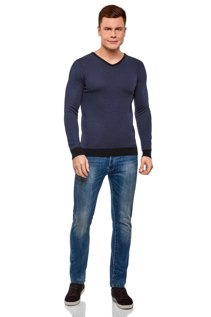 Пуловер мужской oodji Lab, цвет: темно-синий, серо-синий. 4L212160M/44357N/7974J. Размер M (50)4L212160M/44357N/7974JПуловер от oodji выполнен из хлопково-вискозной пряжи с контрастной отделкой. Модель с длинными рукавами и V-образным вырезом горловины.