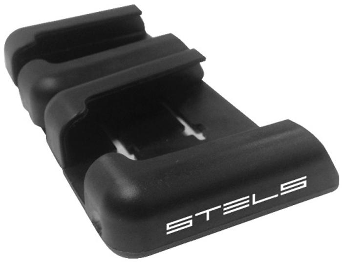 Держатель для телефона Stels, самоклеящийся, цвет: черный55340Держатели для телефонов стали неотъемлемым атрибутом современного автомобиля.Самоклеящийся держатель для телефона Stels, удобен в применении тем, что его можно приклеить в любое удобное для вас место.