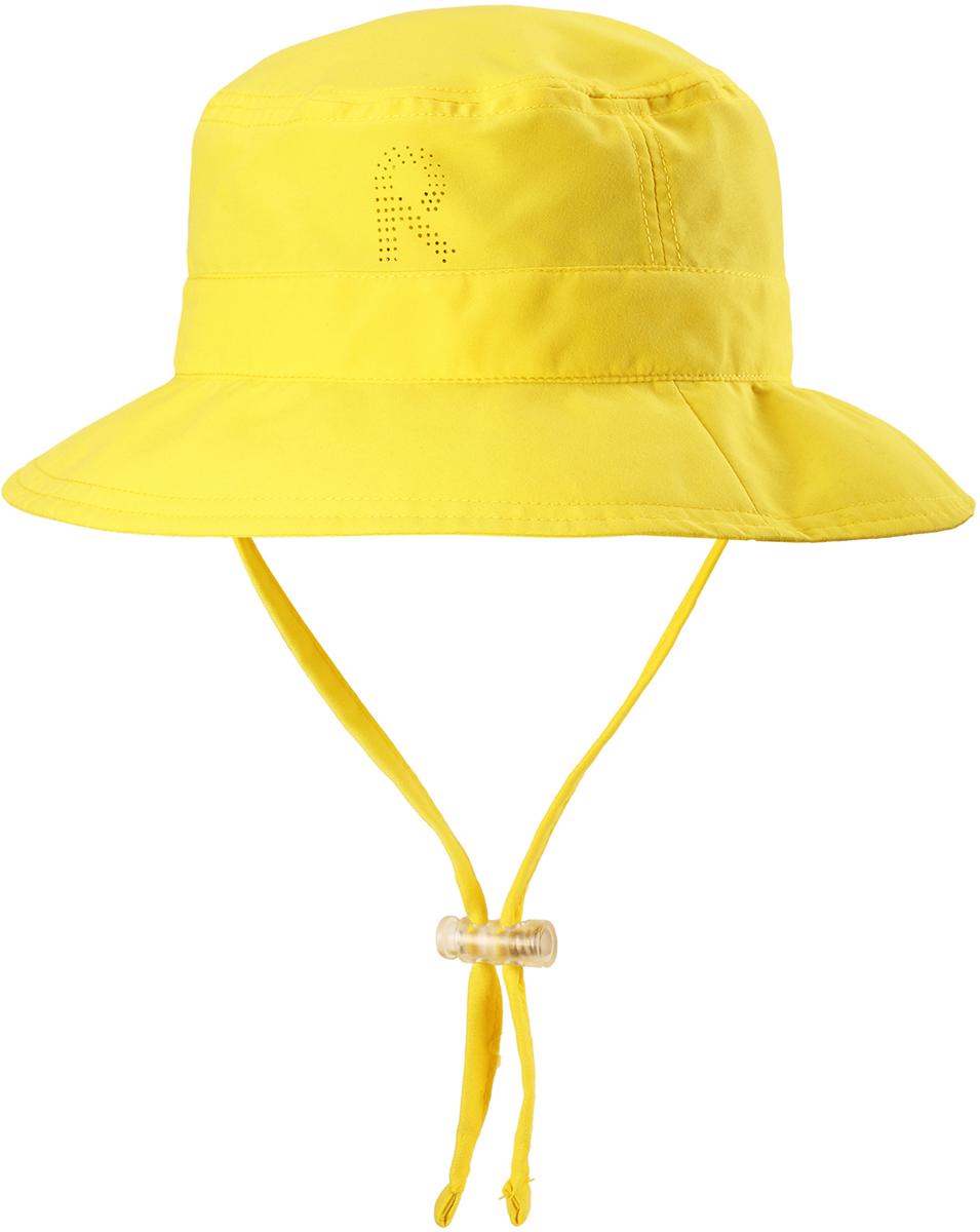 Панама детская Reima Tropical, цвет: желтый. 5285312330. Размер 565285312330Защитная панама от Reima с фактором УФ-защиты 50+ изготовлена из дышащего и легкого материала SunProof. Козырек панамы защищает лицо и глаза от вредного ультрафиолета. Облегченная модель не имеет подкладки и оснащена завязками со стоппером.