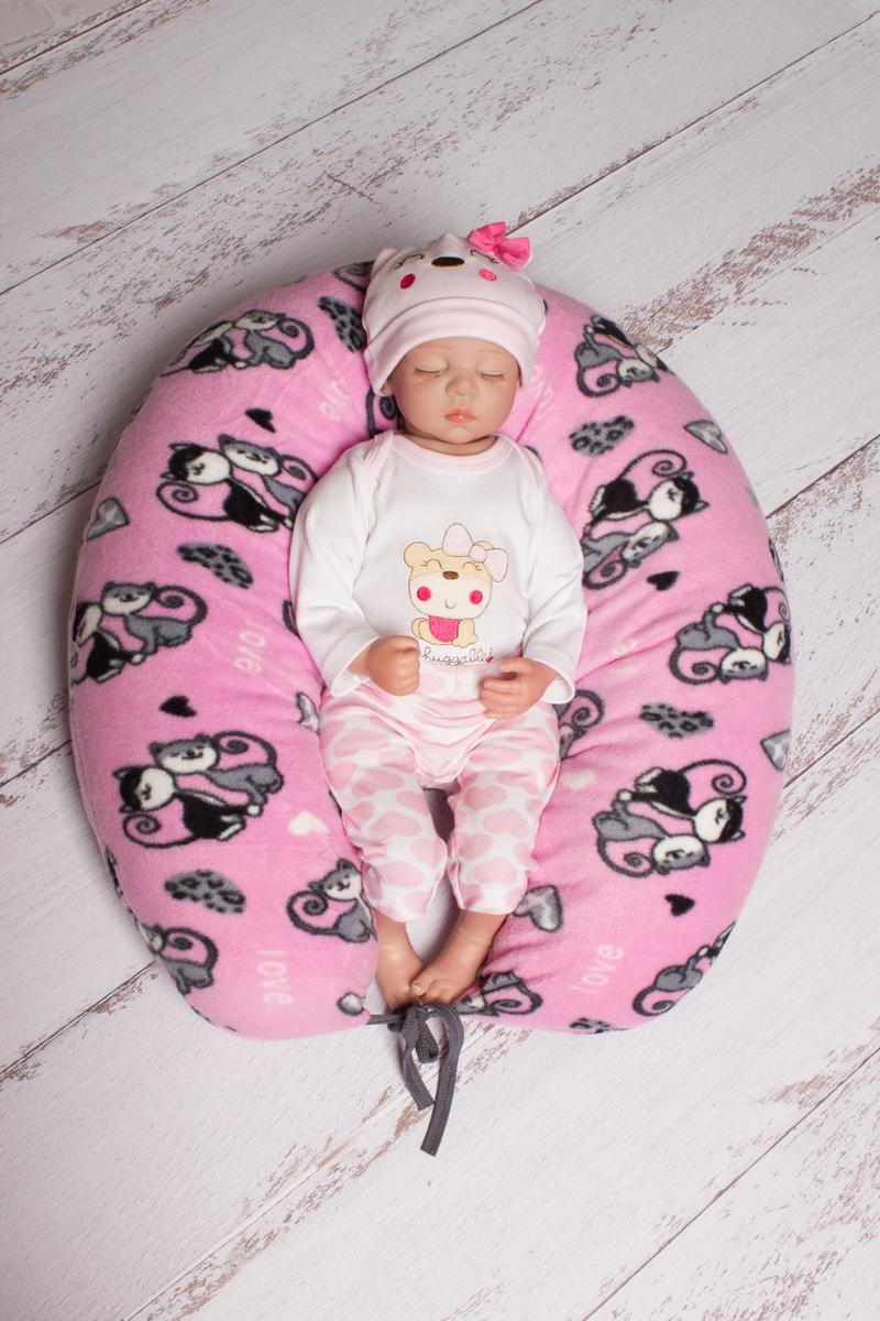 40 недель Подушка для беременных и кормления цвет розовый серый 190 х 35 смБХФЭ7-190Многофункциональная и максимально удобная подушка для беременных.Подушка позволяет будущей маме найти удобное положение для комфортного сна и отдыха,уменьшает нагрузку на женский организм,правильно распределяя нагрузку на позвоночник.Оказывается очень нужной после рождения ребёнка при кормлении,а также его развитии.Подушка свернутая в виде гнёздышка может служить своеобразным манежем для малыша,чтобы он не перевернулся или не упал.Наша подушка выполнена из 100% холлофайбера с мягкими,яркими наволочками из 100% полиэфира.Наша подушка удобна,лучшая во всех отношениях и максимально безопасная.