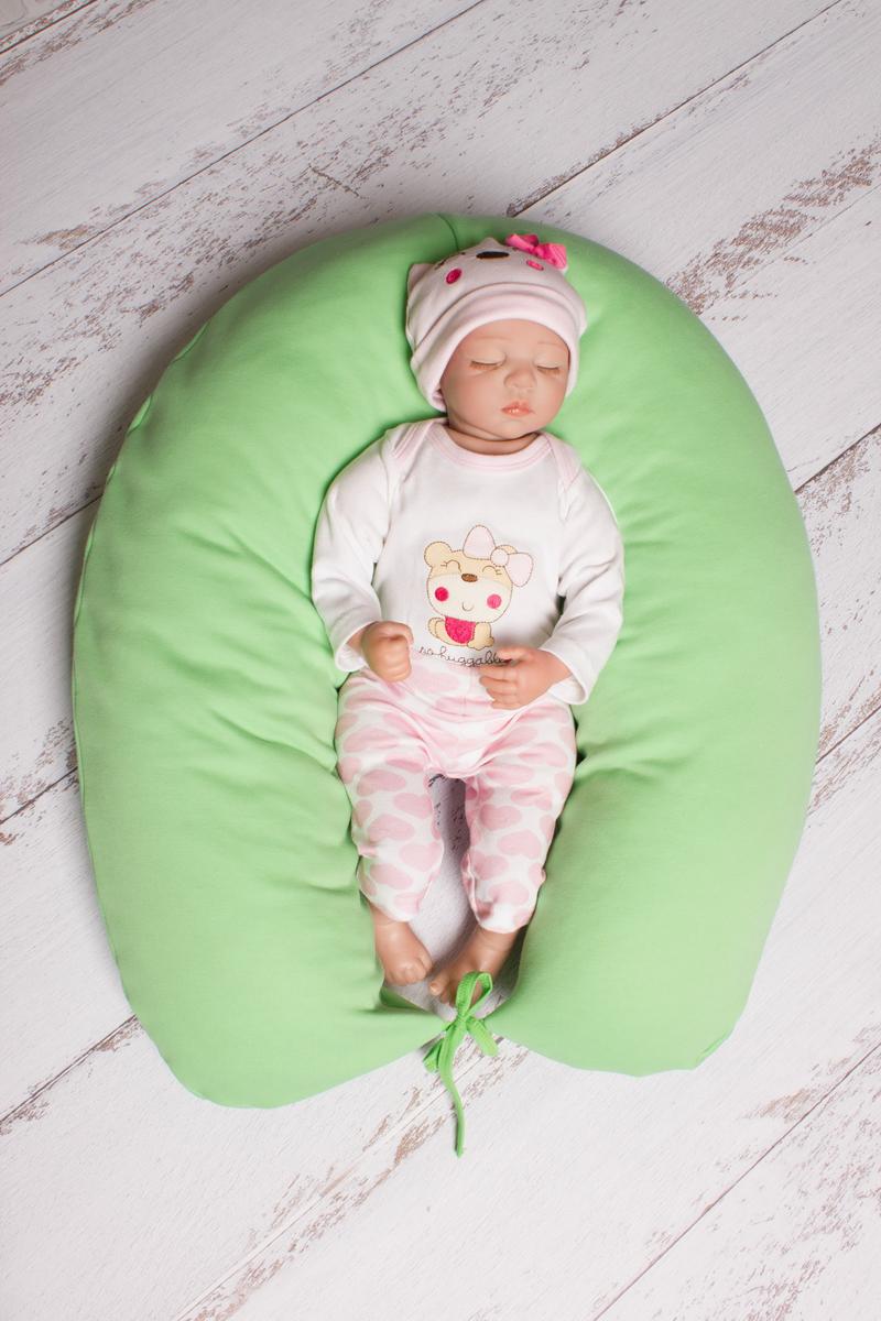 40 недель Подушка для беременных и кормления цвет салатовый 190 х 35 смБХФН7-190Многофункциональная и максимально удобная подушка для беременных.Подушка позволяет будущей маме найти удобное положение для комфортного сна и отдыха,уменьшает нагрузку на женский организм,правильно распределяя нагрузку на позвоночник.Оказывается очень нужной после рождения ребёнка при кормлении,а также его развитии.Подушка свернутая в виде гнёздышка может служить своеобразным манежем для малыша,чтобы он не перевернулся или не упал.Наша подушка выполнена из 100% холлофайбера с мягкими,яркими наволочками из 100% полиэфира.Наша подушка удобна,лучшая во всех отношениях и максимально безопасная.