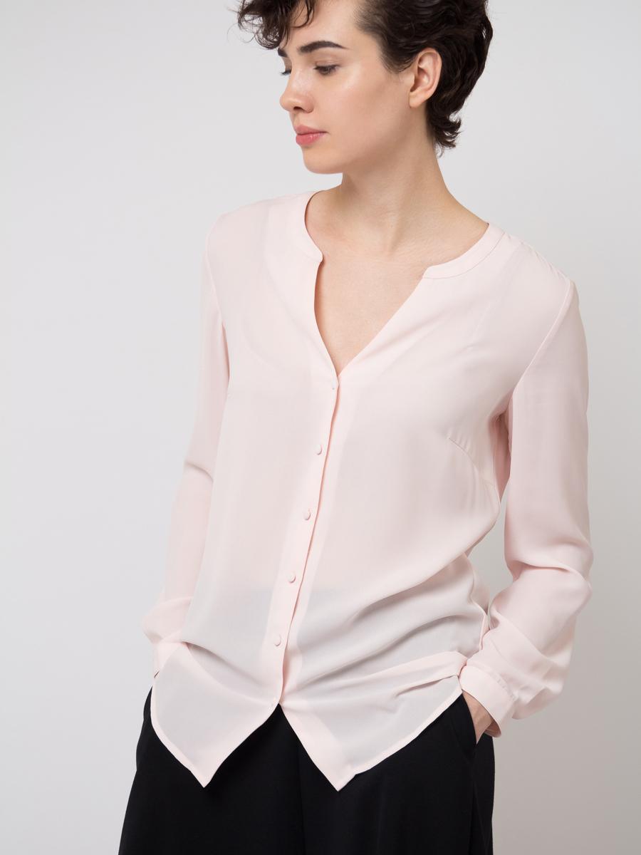 Блузка женская Sela, цвет: розовый. B-112/783-8111. Размер 44B-112/783-8111Блузка женская Sela выполнена из полиэстера. Модель с V-образным вырезом горловины застегивается на пуговицы.