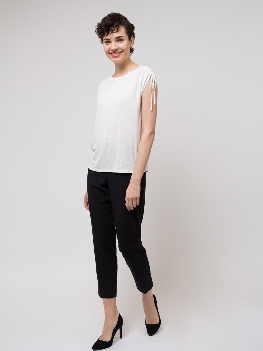 Блузка женская Sela, цвет: слоновая кость. Ts-111/1057-8121. Размер XS (42)Ts-111/1057-8121Блузка женская Sela из вискозы и эластана. Модель с круглым вырезом горловины.