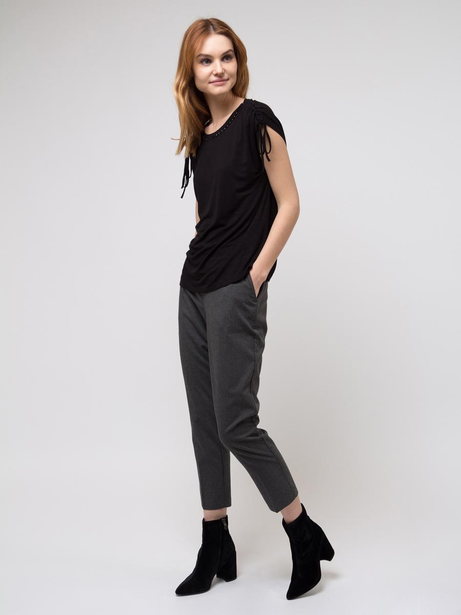 Блузка женская Sela, цвет: черный. Ts-111/1057-8121. Размер L (48)Ts-111/1057-8121Блузка женская Sela из вискозы и эластана. Модель с круглым вырезом горловины.