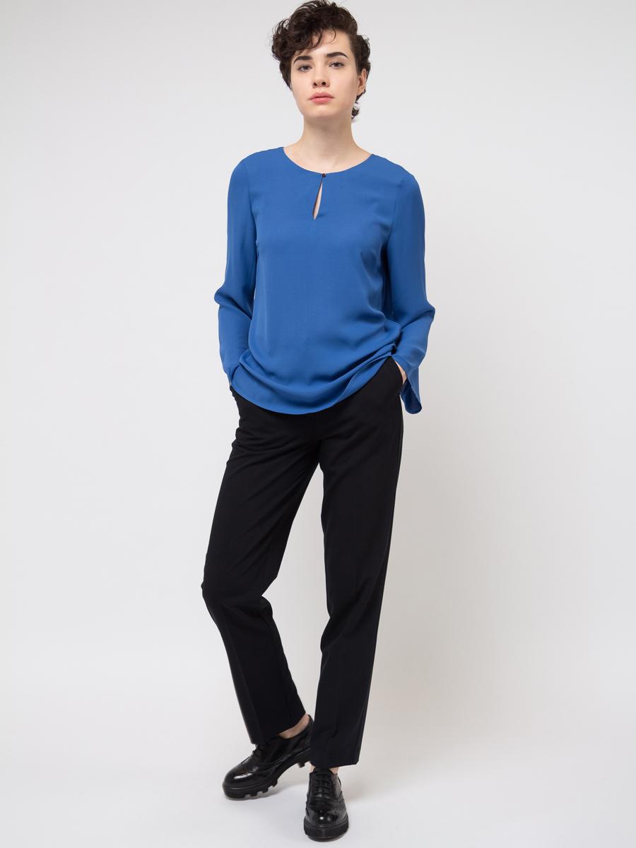 Блузка женская Sela, цвет: синий. Tw-112/784-8111. Размер 44Tw-112/784-8111Блузка женская Sela выполнена из полиэстера. Модель с круглым вырезом горловины и длинными рукавами.