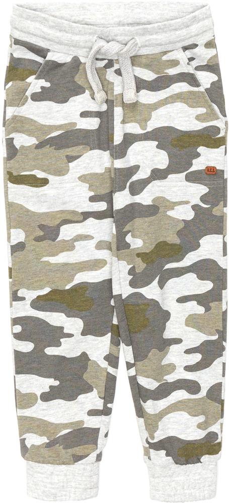 Брюки для мальчика Acoola Cat, цвет: хаки. 20120160141_9000. Размер 9220120160141_9000Спортивные брюки из трикотажа с камуфляжным принтом. Модель с поясом на эластичной резинке и завязках, карманами по бокам и резинками по низу брючин.