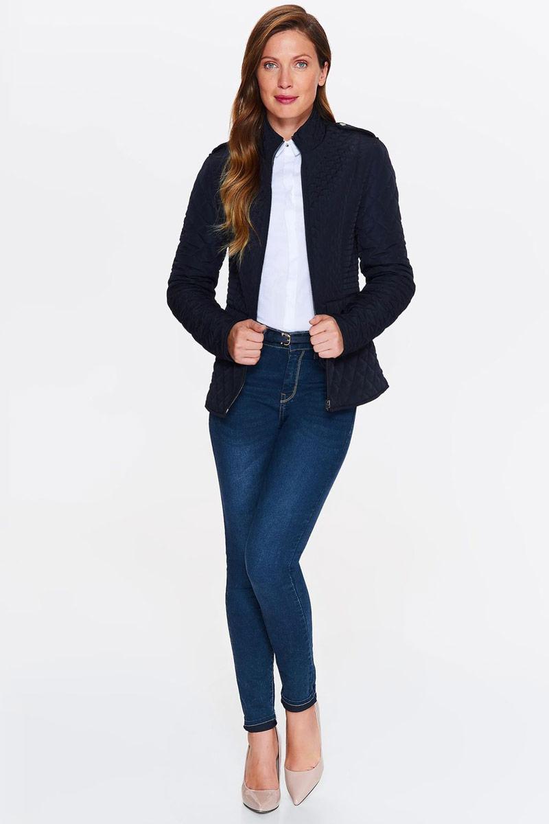 Куртка женская Top Secret, цвет: темно-синий. SKU0841GR. Размер 38 (46)SKU0841GRЖенская стеганная куртка Top Secret выполнена из высококачественного материала. Модель с воротником-стойкой застегивается на застежку-молнию. Куртка дополнена карманами.