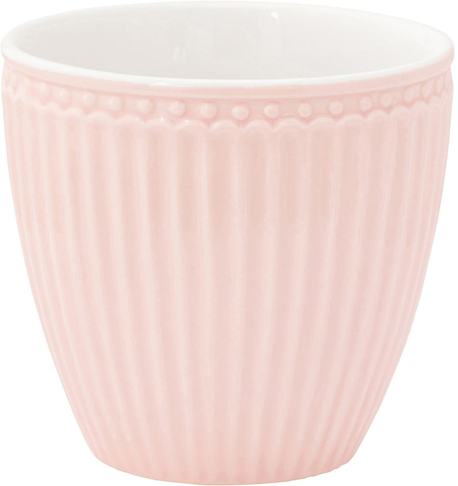 Фарфоровые стаканы, чашки для латте Alice pale pink – фаворит посудных каталогов GreenGate – прекрасно подходят как для горячих напитков - чая, кофе или какао – так и для холодных. Ягоды, мороженое, утренние сухие завтраки с молоком и йогуртом также можно сервировать в стаканах. Отсутствие классической ручки у чашки отнюдь не помеха, а даже преимущество, позволяющее пополнять коллекцию новыми моделями почти без ущерба пространству кухонных шкафов, ведь они прекрасно помещаются один в другом даже на самых миниатюрных кухнях.