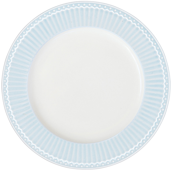 Тарелка Alice, цвет: голубой, диаметр 23 смSTWPLAAALI2906Тарелка датского производства Alice pale pink, выполненная из высококачественного фарфора, несомненно, станет украшением как праздничного стола, так и повседневной сервировки.Базовая коллекция Alice создана для идеального сочетания посуды ранних и будущих коллекций Greengate. Впервые появилась в каталогах в 2016 году и с тех пор завоевала миллионы сердец своей универсальностью, насыщенными цветами и разнообразием посудной линейки. Alice dark blue – настоящая находка для тех, кто хочет освежить сервировку, придать ей благородные нотки классическим и глубоким синим цветом. Разнообразие предметов посуды в линейке позволяет коллекции быть как базой, так и связующим звеном с цветочными орнаментами коллекций Amanda indigo, Audrey indigo, Sally и с др.