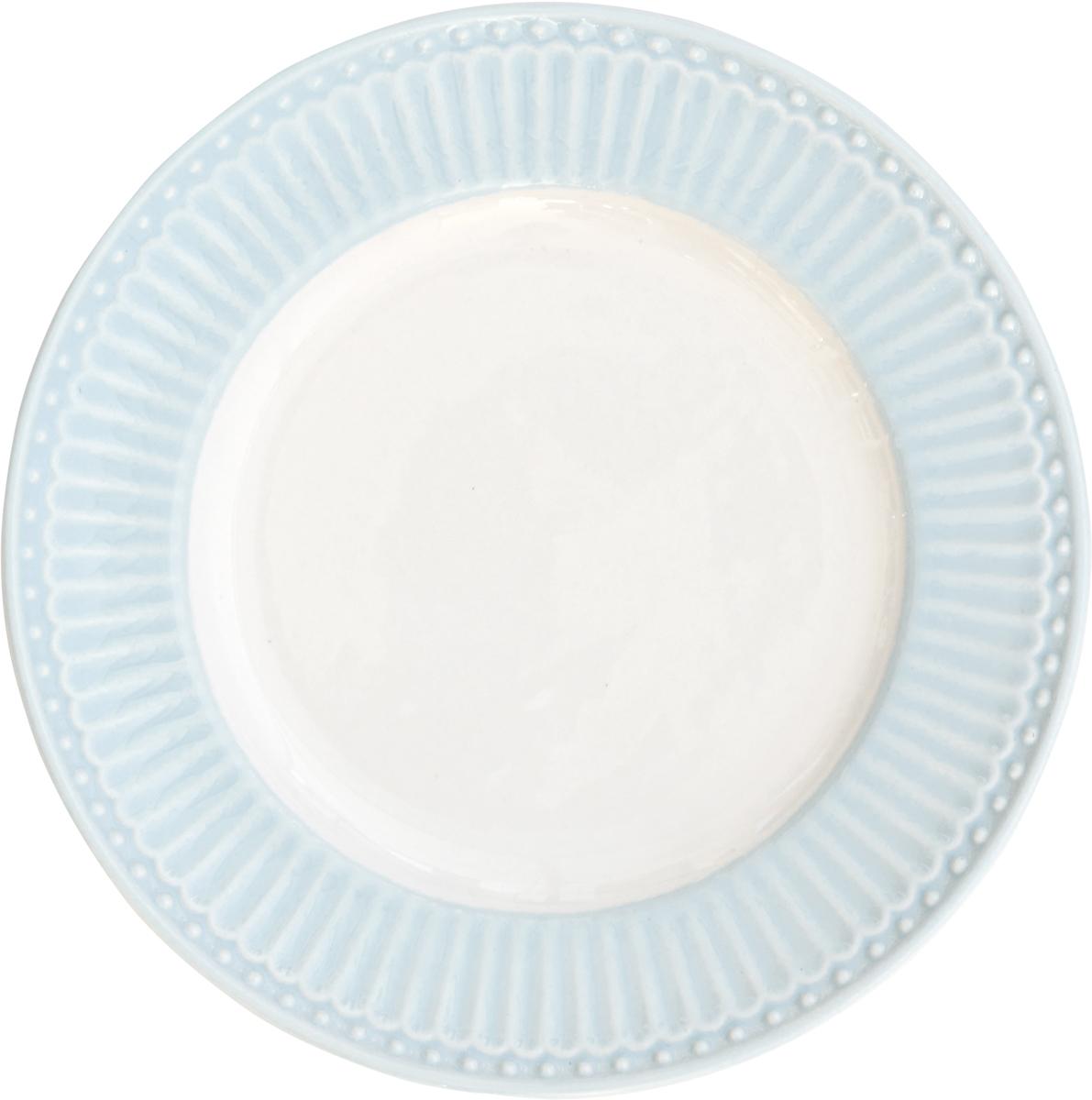 Тарелка десертная Alice, цвет: голубой, диаметр 17,5 смSTWPLASAALI2906Десертная тарелка датского производства Alice pale blue, выполненная из высококачественного фарфора, несомненно, станет украшением как праздничного стола, так и повседневной сервировки. Базовая коллекция Alice создана для идеального сочетания посуды ранних и будущих коллекций Greengate. Впервые появилась в каталогах в 2016 году и с тех пор завоевала миллионы сердец своей универсальностью, зефирной нежностью и разнообразием посудной линейки. Коллекция Alice в пастельных тонах (pink, blue, green) превосходно сочетается как между собой, так и с классическими цветочными принтами, разбавляет их и облегчает композицию. Солнечный желтый цвет Alice pale yellow в сервировке вносит свежесть и яркость погожего летнего денька. Выполнена из высококачественного фарфора, устойчивого к сколам, допускается использование в посудомоечной машине и микроволновой печи. Коллекция Alice – это беспроигрышный вариант как для знакомства с коллекционной посудой Greengate, так и для принципа «mix and match» (смешивай и сочетай).