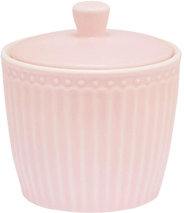 Сахарница Alice, цвет: розовыйSTWSUGAALI1906GreenGate- это широко известная во всем мире компания, которая с 2001 года производит потрясающую по красотеколлекционнуюфарфоровую посуду.