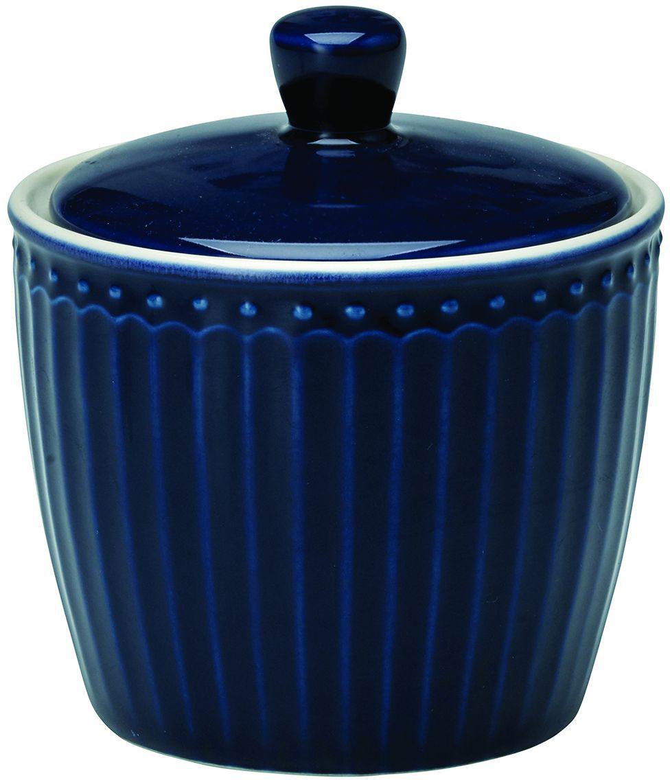 Сахарница Alice, цвет: синийSTWSUGAALI2206GreenGate- это широко известная во всем мире компания, которая с 2001 года производит потрясающую по красотеколлекционнуюфарфоровую посуду.