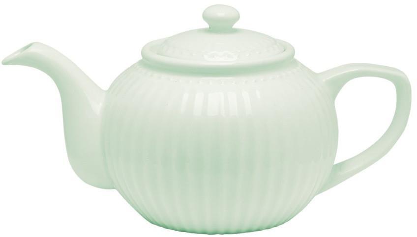 Чайник заварочный Alice, цвет: зеленый, 1 лSTWTEPAALI3904Одно из центральных мест каждой кухни занимает его величество, Чайник. Классическая форма, мягкие изгибы и высококачественный материал чайника Alice dark blue превратят каждое чаепитие в красивую церемонию. А чайные пары и чашки из коллекции Alice гармонично дополнят сервировку. Базовая коллекция Alice создана для идеального сочетания посуды ранних и будущих коллекций Greengate. Впервые появилась в каталогах в 2016 году и с тех пор завоевала миллионы сердец своей универсальностью, насыщенными цветами и разнообразием посудной линейки. Alice dark blue – настоящая находка для тех, кто хочет освежить сервировку, придать ей благородные нотки классическим и глубоким синим цветом.