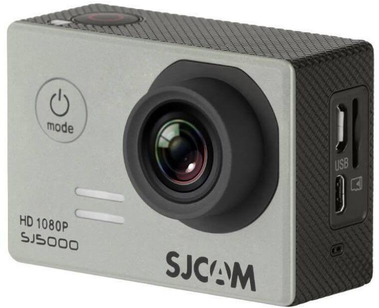 SJCAM SJ5000, Silver экшн-камераSJCAM SJ5000 silver;SJCAM SJ5000 silverSJCAM SJ5000 является продолжением новой линейки экшен камер, которую компания SJCAM представила в декабре 2014 года. Это многофункциональная экшн-камера обладает высоким качеством не только фото и видео съёмки, но и самого материала. Прочная водонепроницаемая конструкция делает её просто незаменимой в экстремальном отдыхе и спорте.Благодаря режиму цейтаоферной съёмки камера может сжимать многочасовые события (например, расцветающую розу) до нескольких секунд. Теперь восход солнца после съёмки произойдёт прямо на глазах ваших друзей! SJCAM SJ5000 может быть использована в качестве видеорегистратора благодаря возможности циклической записи. Для этого разместите её на стекле автомобиля с помощью специального крепления и нажмите на кнопку записи.Данную модель можно использовать и в качестве Full HD веб-камеры. Всё, что необходимо сделать - это подключить SJCAM к компьютеру через кабель USB и запустить Skype.SJCAM SJ5000 получила новый сенсор MN34110PA от Panasonic и чип Novatek 96655 что позволяет получить сочную и качественную картинку в качестве 1080p. Просмотр отснятого материала теперь стал намного удобнее, благодаря большому дисплею с диагональю 2 дюйма и разрешением 960x240 точек.В комплект входит множество аксессуаров и креплений, которые помогут вам произвести видеосъемку в любых экстремальных условиях. Для записи видео под водой на глубине до 30 метров имеется специальный водонепроницаемый бокс.