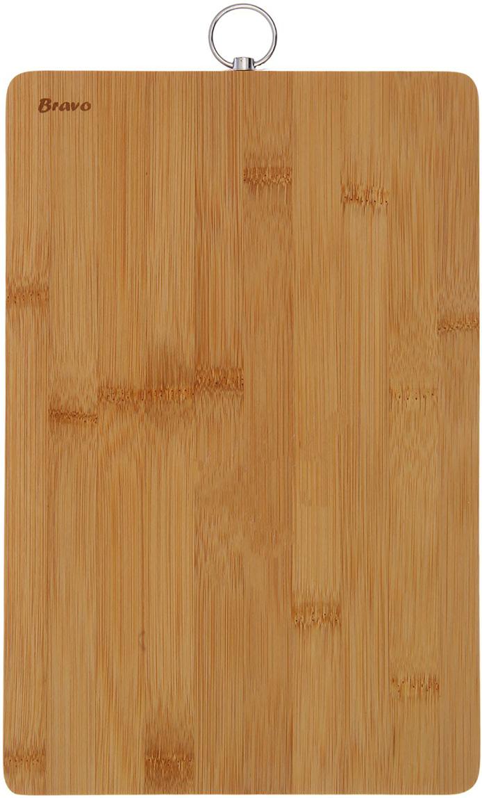 Доска разделочная Bravo, цвет: светло-коричневый, 33 x 20 x 1 см2060697Практичная доска выполнена из натурального бамбука и отлично подойдет дляежедневной обработки мяса, рыбы и овощей. Достоинства: абсолютная безопасность для продуктов питания; долговечность материла; удобство хранения; классический дизайн. Также профессионалами отмечено, что разделочные доски из дереванаиболее дружелюбны к лезвиям металлических ножей. После каждого использования рекомендуется очищать приборы влажнойтряпкой и насухо вытирать.