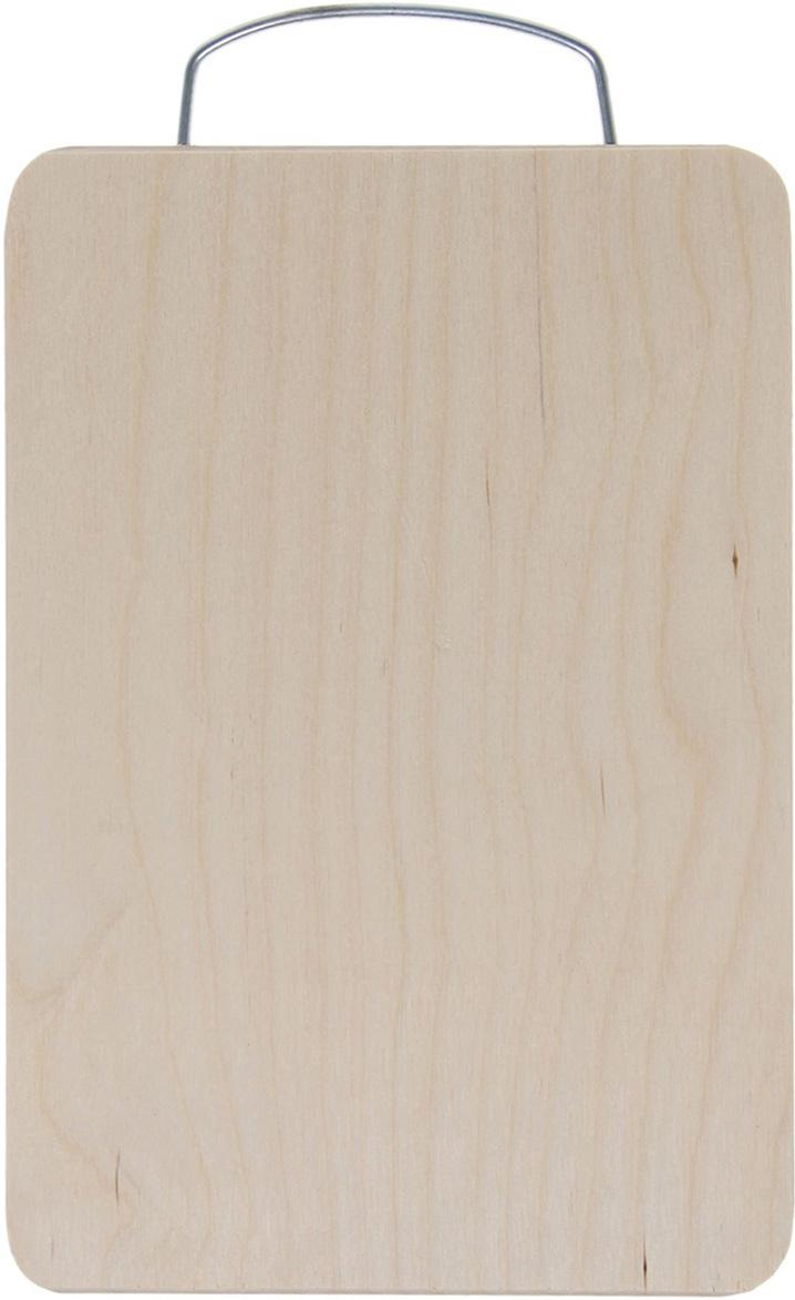 Доска разделочная Натуральное дерево, цвет: бежевый, 33 x 21 x 0,8 см1398554Доска разделочная Натуральное дерево поражает своими качествами. Хотите узнать, почему хозяйки во всем мире предпочитают доски из натурального дерева?Материал:Доска из березы по праву считается самой надежной: имеет высокую прочность, устойчива к сильным нагрузкам. Используя её, вы не затупите ножи. Доска не разбухает в воде, не впитывает влагу, устойчива к запахам.Дизайн:Сама доска из березы имеет приятный натуральный цвет. Специальная металлическая ручка в верхней части позволит подвесить разделочную доску на стенку для удобства ее хранения.Уход:Чтобы ваша доска служила вам верой и правдой долгие годы, советуем следовать простым правилам. Они помогут вам сохранить ее внешний вид и все потребительские качества:допускается только ручное мытье: не кладите доску в посудомоечную машинку;не оставляйте разделочную доску в воде - мойте ее только проточной водой до или после остальной посуды;отмывать доску необходимо под горячей водой, а ополаскивать в холодной;сушите доску на воздухе в подвешенном состоянии;для дезинфекции раз в месяц протирайте доску разведенным уксусом или лимонным соком.Если вы будете грамотно заботиться о своих кухонных помощниках, любой процесс приготовления пищи станет легким и приятным.