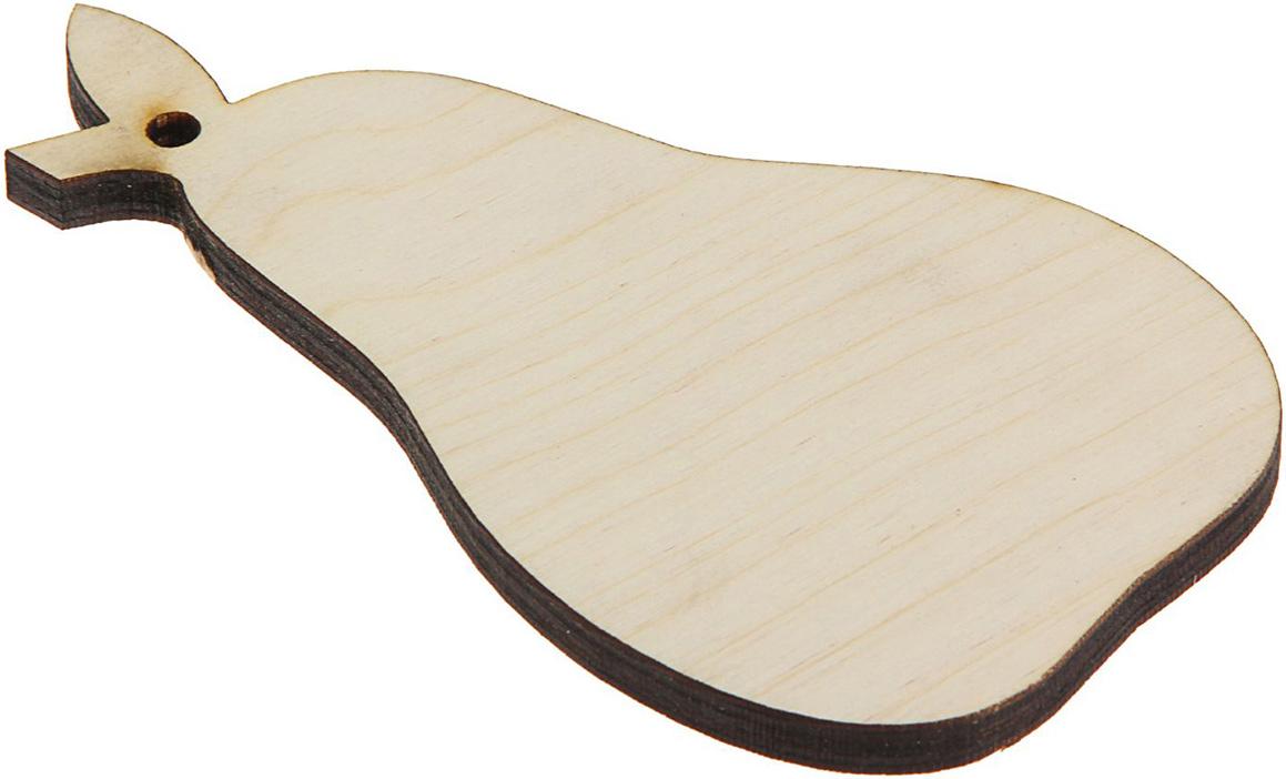 Доска разделочная Доброе дерево, цвет: бежевый, коричневый, 40 x 25 x 2,5 см1893069Такая разделочная доска подходит не только для нарезки продуктов, еёможно использовать и в качестве подноса. Подав сырный набор иликолбасную нарезку таким оригинальным образом, вы точно удивите своихгостей. Изделие выполнено из древесины твердых пород, которые менеечувствительны к влаге. Этот материал имеет больший срок службы. Такжетакая древесина приспособлена для ежедневной нарезки твердых продуктов. Уход за деревянной разделочной доской: Обработайте перед первым применением. Используйте пищевоеминеральное или льняное масло. Протрите им доску и дайте впитаться вдревесину. Уберите излишки масла сухой тканью. Повторяйте процедурукаждые 2-3 месяца, так вы предотвратите появление пятен, плесени изапахов еды. Для сохранения гладкости протирайте изделие наждачной бумагой. Используйте несколько разделочных досок для разного вида пищи. Этопрепятствует распространению бактерий сырых продуктов. Тщательно мойте и дезинфицируйте разделочную доску мылом и горячейводой после каждого использования. После этого высушите. Чтобы избавиться от запаха чеснока или лука, смажьте доску солью слимоном. Через пару минут протрите поверхность и промойте её. Храните доску в сухом месте в вертикальном положении и вдали отпосторонних запахов. Соблюдайте рекомендации, и разделочная доска прослужит вам долгие годы!