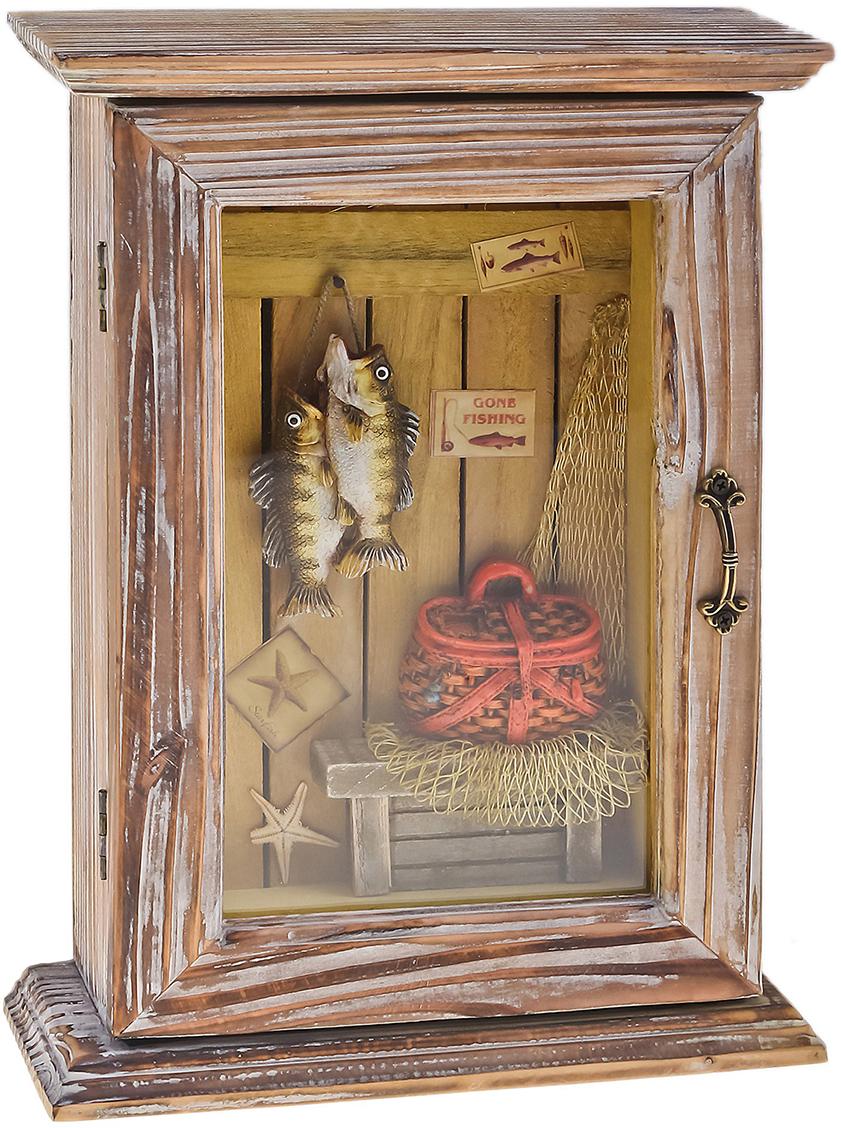 Ключница Мечта рыбака, цвет: коричневый, мультиколор503917Постоянно теряете ключи, когда куда-то торопитесь? Тогда этот товар — именно то, что вам нужно! Каковы его достоинства? Экономия времени на поиск ключей, ведь вам больше не придётся их терять. Комфортное хранение ещё и других важных мелочей, которые любят пропадать. Порядок и сохранность ваших вещей. Это незаменимый помощник и стильный предмет декора прихожей. Ключница — полезная вещь, которая позволяет поддерживать порядок в доме.