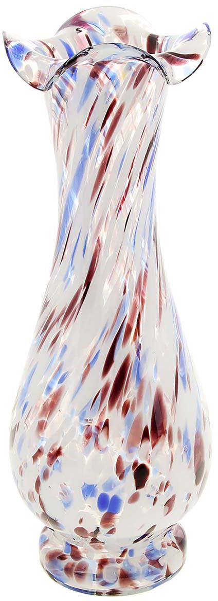 Ваза Фигурная, цвет: белый, 30 см. 10252971025297Ваза - не просто сосуд для букета, а украшение убранства. Поставьте в неё цветы или декоративные веточки, и эффектный интерьерный акцент готов! Стеклянный аксессуар добавит помещению лёгкости. Ваза Фигурная бело-сине-марганцевая преобразит пространство и как самостоятельный элемент декора. Наполните интерьер уютом! Каждая ваза выдувается мастером. Второй точно такой же не встретить. А случайный пузырёк воздуха или застывшая стеклянная капелька на горлышке лишь подчёркивают её уникальность.