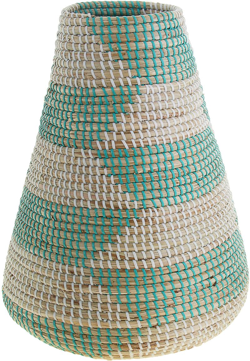 """Ваза плетёная """"Тхи"""" – это настоящее произведение искусства. Вьетнамские ремесленники долго и кропотливо, стежок за стежком, плели эту  невероятную экзотическую вазу из настоящих морских водорослей. Вы только взгляните: ровный рисунок, чёткие линии, приятные тона -  чувствуется опытная рука мастера. Пусть эта роскошная Ваза плетеная """"Тхи"""" станет приятным подарком ценителю плетёных изделий, коллекционеру экзотических аксессуаров или  даме с завидным вкусом. Разместите её в комнате на самом видном месте, создайте композицию с декоративными ветками, сухоцветами, чтобы  привнести ощущение легкости, изящества и тепла. Ведь известно, что уют проявляется в деталях. Так как ваза плетёная в неё нельзя наливать воду или любую другую жидкость."""