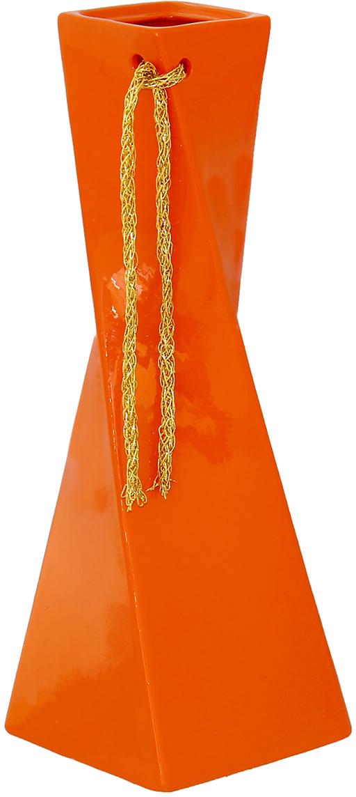 Ваза Керамика ручной работы Эквилибриум, цвет: оранжевый, средняя1102227Ваза - сувенир в полном смысле этого слова. И главная его задача - хранить воспоминание о месте, где вы побывали, или о том человеке, который подарил данный предмет. Преподнесите эту вещь своему другу, и она станет достойным украшением его дома. Каждому хозяину периодически приходит мысль обновить свою квартиру, сделать ремонт, перестановку или кардинально поменять внешний вид каждой комнаты. Ваза - привлекательная деталь, которая поможет воплотить вашу интерьерную идею, создать неповторимую атмосферу в вашем доме. Окружите себя приятными мелочами, пусть они радуют глаз и дарят гармонию.