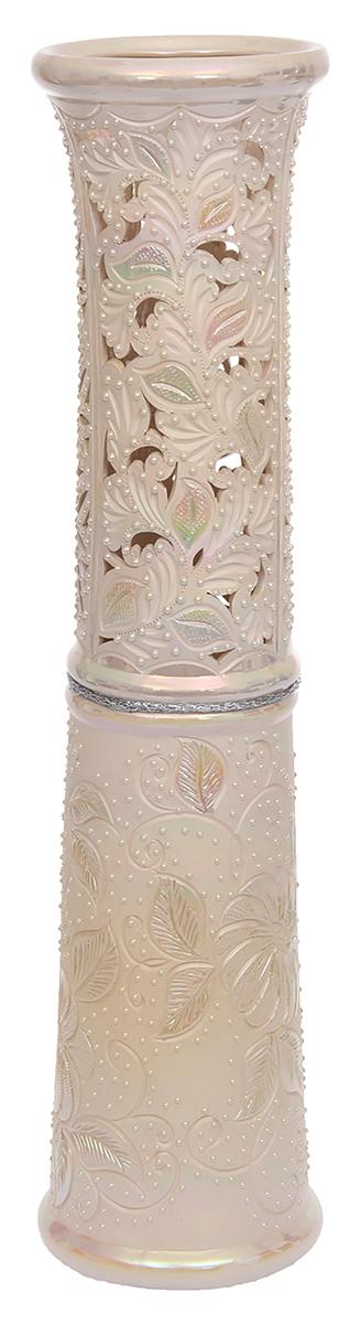 Ваза напольная Керамика ручной работы Весна, цвет: розовый, резка1120183Это ваза - отличный способ подчеркнуть общий стиль интерьера. Существует множество причин иметь такой предмет дома. Вот лишь некоторые из них: Формирование праздничного настроения. Можно украсить вазу к Новому году гирляндой, тюльпанами на 8 марта, розами на день Святого Валентина, вербой на Пасху. За счёт того, что это заметный элемент интерьера, вы легко и быстро создадите во всём доме праздничное настроение. Заполнение углов, подиумов, ниш. Таким образом можно сделать обстановку более уютной и многогранной. Создание групповой композиции. Если позволяет площадь пространства, разместите несколько ваз так, чтобы они сочетались по стилю или цветовому решению. Это придаст обстановке более завершённый вид. Подходящая форма и стиль этого предмета подчеркнут достоинства дизайна квартиры. Ваза может стать отличным подарком по любому поводу, ведь такой элемент интерьера практичен и способен каждый день создавать хорошее настроение!