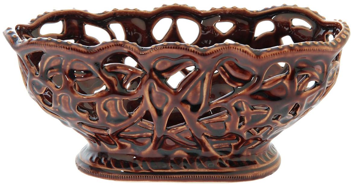 Конфетница Керамика ручной работы Ажур, цвет: коричневый. 11435431143543Ваза для конфет украсит любую квартиру, дачу или офис. Преподнести её в качестве подарка друзьям или близким – отличная идея. Необычный дизайн и расцветка может вписаться в любой интерьер и стать его уникальным акцентом. Вещь предназначена для подачи конфет, сухофруктов или восточных сладостей.