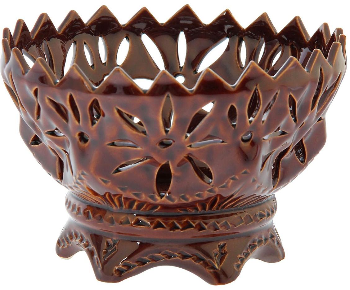 Конфетница Керамика ручной работы Букетница, цвет: коричневый1143546Ваза для конфет украсит любую квартиру, дачу или офис. Преподнести её в качестве подарка друзьям или близким – отличная идея. Необычный дизайн и расцветка может вписаться в любой интерьер и стать его уникальным акцентом. Вещь предназначена для подачи конфет, сухофруктов или восточных сладостей.