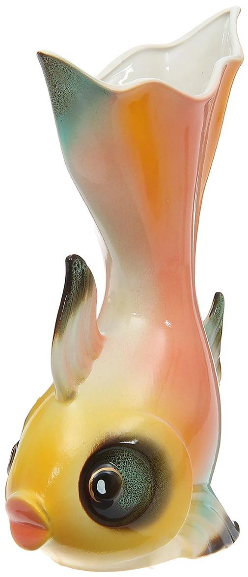 Ваза Керамика ручной работы Золотая рыбка, цвет: розовый1184657Ваза - сувенир в полном смысле этого слова. И главная его задача - хранить воспоминание о месте, где вы побывали, или о том человеке, который подарил данный предмет. Преподнесите эту вещь своему другу, и она станет достойным украшением его дома. Каждому хозяину периодически приходит мысль обновить свою квартиру, сделать ремонт, перестановку или кардинально поменять внешний вид каждой комнаты. Ваза - привлекательная деталь, которая поможет воплотить вашу интерьерную идею, создать неповторимую атмосферу в вашем доме. Окружите себя приятными мелочами, пусть они радуют глаз и дарят гармонию.