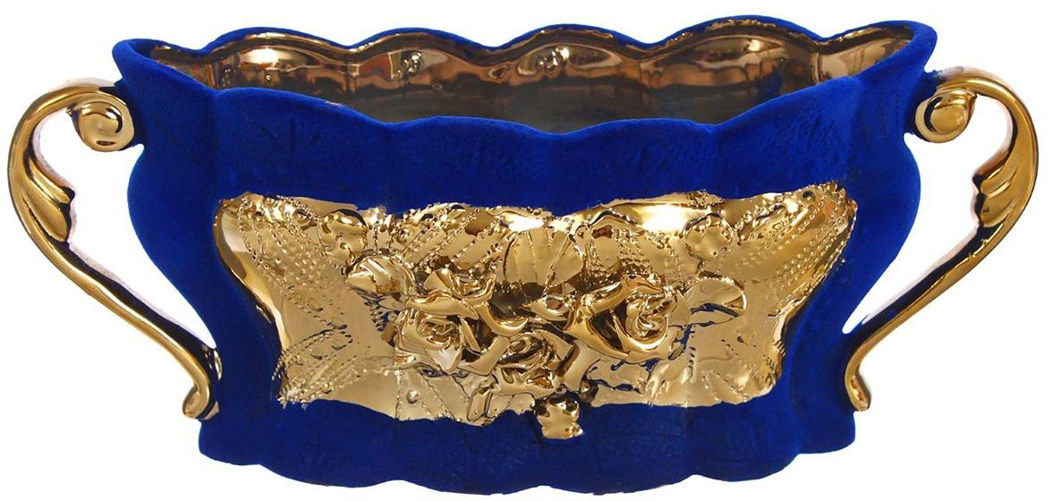 Конфетница Керамика ручной работы Ладья, цвет: синий1250618Ваза для конфет украсит любую квартиру, дачу или офис. Преподнести её в качестве подарка друзьям или близким – отличная идея. Необычный дизайн и расцветка может вписаться в любой интерьер и стать его уникальным акцентом. Вещь предназначена для подачи конфет, сухофруктов или восточных сладостей.
