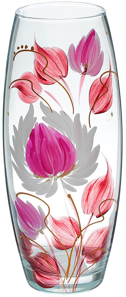 """Ваза - не просто сосуд для букета, а украшение убранства. Поставьте в неё цветы или декоративные веточки, и эффектный интерьерный акцент готов! Стеклянный аксессуар добавит помещению лёгкости. Ваза """"Кленовые листы"""" преобразит пространство и как самостоятельный элемент декора. Наполните интерьер уютом! Каждая ваза выдувается мастером. Второй точно такой же не встретить. А случайный пузырёк воздуха или застывшая стеклянная капелька на горлышке лишь подчёркивают её уникальность."""