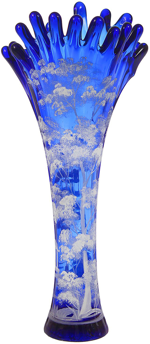 Ваза Коралл, цвет: синий, 38 см. 13462661346266Ваза - не просто сосуд для букета, а украшение убранства. Поставьте в неё цветы или декоративные веточки, и эффектный интерьерный акцент готов! Стеклянный аксессуар добавит помещению лёгкости. Ваза Коралл, дерево, синяя, ручная роспись преобразит пространство и как самостоятельный элемент декора. Наполните интерьер уютом! Каждая ваза выдувается мастером. Второй точно такой же не встретить. А случайный пузырёк воздуха или застывшая стеклянная капелька на горлышке лишь подчёркивают её уникальность.