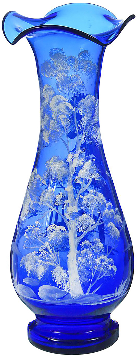Ваза Фигурная, цвет: синий, 30 см. 13462931346293Ваза - не просто сосуд для букета, а украшение убранства. Поставьте в неё цветы или декоративные веточки, и эффектный интерьерный акцент готов! Стеклянный аксессуар добавит помещению лёгкости. Ваза Фигурная, природа, синяя, ручная роспись преобразит пространство и как самостоятельный элемент декора. Наполните интерьер уютом! Каждая ваза выдувается мастером. Второй точно такой же не встретить. А случайный пузырёк воздуха или застывшая стеклянная капелька на горлышке лишь подчёркивают её уникальность.