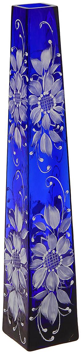 Ваза Пирамида, цвет: синий, 40 см. 13463551346355Ваза - не просто сосуд для букета, а украшение убранства. Поставьте в неё цветы или декоративные веточки, и эффектный интерьерный акцент готов! Стеклянный аксессуар добавит помещению лёгкости. Ваза Пирамида, ромашка, синяя, ручная роспись преобразит пространство и как самостоятельный элемент декора. Наполните интерьер уютом! Каждая ваза выдувается мастером. Второй точно такой же не встретить. А случайный пузырёк воздуха или застывшая стеклянная капелька на горлышке лишь подчёркивают её уникальность.