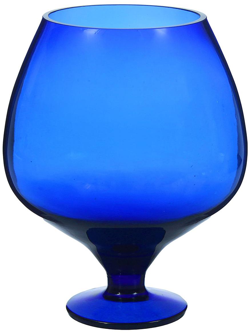 Ваза Бокал, цвет: синий, 1,8 л1346373Ваза - не просто сосуд для букета, а украшение убранства. Поставьте в неё цветы или декоративные веточки, и эффектный интерьерный акцент готов! Стеклянный аксессуар добавит помещению лёгкости. Ваза Бокал синяя, 1,8 л преобразит пространство и как самостоятельный элемент декора. Наполните интерьер уютом! Каждая ваза выдувается мастером. Второй точно такой же не встретить. А случайный пузырёк воздуха или застывшая стеклянная капелька на горлышке лишь подчёркивают её уникальность.