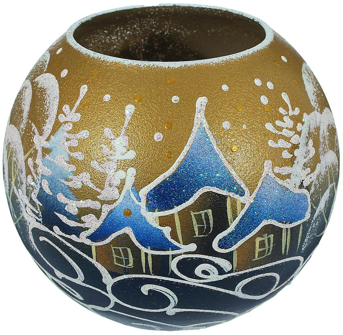 Ваза-подсвечник Золотое небо, цвет: золотой, 13 см1466255В чём волшебство Нового года? В чарующих праздничных огоньках! Оригинальная ваза- подсвечник с ручной росписью создаст в помещении тёплую уютную атмосферу. Простоустановите в вазочке свечу, зажгите её и наслаждайтесь прелестью зимних праздников. Эта ваза - универсальное украшение, используйте её как подсвечник или как сосуд для цветов иблестящих декоративных веточек. Изделие выдувается мастером, затем на него наносится роспись. Хрупкий материал икропотливые детали превращают каждую вазу в произведение творчества, вторую такую же ненайти. Этот аксессуар станет уникальным новогодним подарком. Порадуйте себя и близкихсказочным настроением!