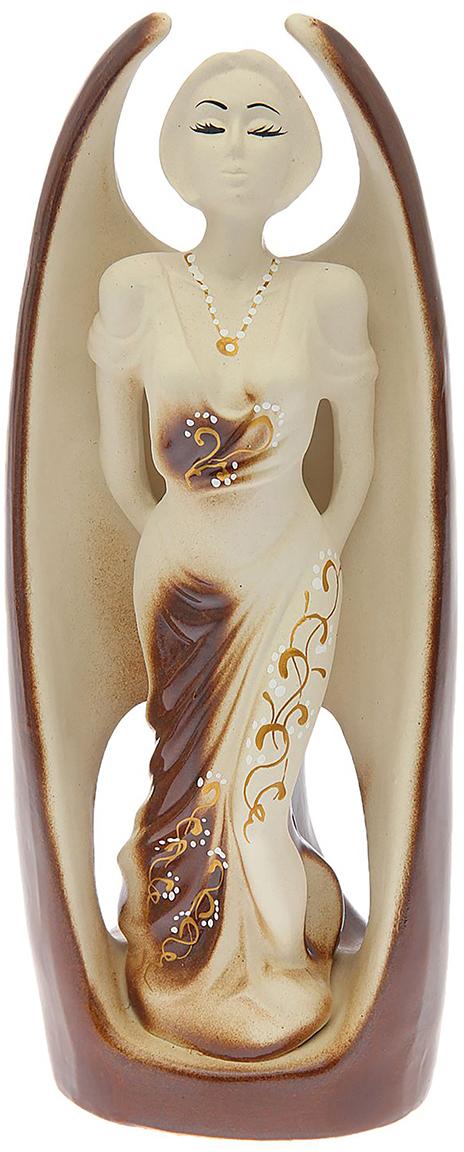 Ваза-статуэтка Керамика ручной работы Стелла, цвет: коричневый1547217Ваза - сувенир в полном смысле этого слова. И главная его задача - хранить воспоминание о месте, где вы побывали, или о том человеке, который подарил данный предмет. Преподнесите эту вещь своему другу, и она станет достойным украшением его дома. Каждому хозяину периодически приходит мысль обновить свою квартиру, сделать ремонт, перестановку или кардинально поменять внешний вид каждой комнаты. Ваза - привлекательная деталь, которая поможет воплотить вашу интерьерную идею, создать неповторимую атмосферу в вашем доме.