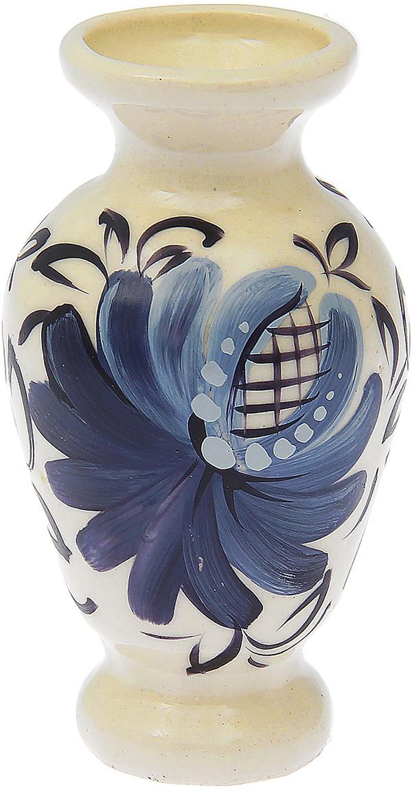 Ваза Керамика ручной работы Вазочка, цвет: белый, синий1573575Ваза - сувенир в полном смысле этого слова. И главная его задача - хранить воспоминание о месте, где вы побывали, или о том человеке, который подарил данный предмет. Преподнесите эту вещь своему другу, и она станет достойным украшением его дома. Каждому хозяину периодически приходит мысль обновить свою квартиру, сделать ремонт, перестановку или кардинально поменять внешний вид каждой комнаты.Ваза - привлекательная деталь, которая поможет воплотить вашу интерьерную идею, создать неповторимую атмосферу в вашем доме. Окружите себя приятными мелочами, пусть они радуют глаз и дарят гармонию.