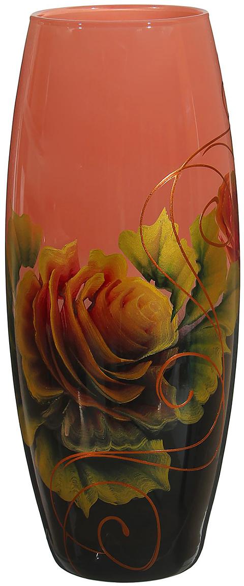 """Ваза - не просто сосуд для букета, а украшение убранства. Поставьте в неё цветы или декоративные веточки, и эффектный интерьерный акцент готов! Стеклянный аксессуар добавит помещению лёгкости.  Ваза """"Каприз"""" преобразит пространство и как самостоятельный элемент декора. Наполните интерьер уютом!  Каждая ваза выдувается мастером. Второй точно такой же не встретить. А случайный пузырёк воздуха или застывшая стеклянная капелька на горлышке лишь подчёркивают её уникальность."""