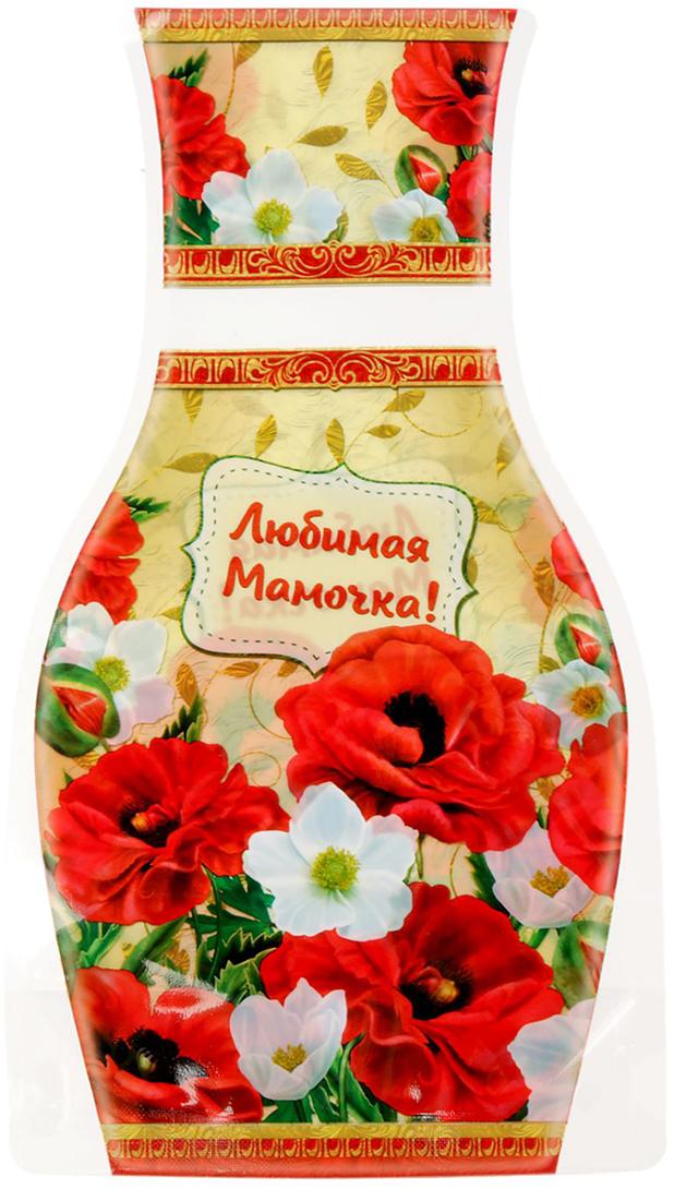 Ваза для цветов Любимая мамочка, складная, цвет: красный, 26,8 см1716544Ваза изготовлена из тонкого пластика. В сложенном виде декор не толще листа бумаги. Налейте в него воду, и он с лёгкостью примет нужную форму. Преимущества складной вазы Устойчивость: благодаря своей форме и тяжести воды, изделие подходит для любого букета до 15 цветков. Компактность: в сложенном состоянии займёт минимум места, не больше полиэтиленового пакета. Безопасность: если ребёнок или домашнее животное опрокинет ёмкость, она не разобьётся. Многократность использования: высушите, сложите и уберите предмет, если он не нужен. Такая ваза будет отличным подарком на 8 Марта, день рождения, а также станет прекрасным дополнением к букету.