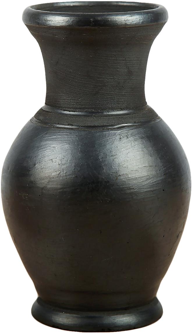 Ваза Керамика ручной работы Чёрная керамика, цвет: черный, 0,3 л2706662Ваза - сувенир в полном смысле этого слова. И главная его задача - хранить воспоминание о месте, где вы побывали, или о том человеке, который подарил данный предмет. Преподнесите эту вещь своему другу, и она станет достойным украшением его дома. Каждому хозяину периодически приходит мысль обновить свою квартиру, сделать ремонт, перестановку или кардинально поменять внешний вид каждой комнаты. Ваза - привлекательная деталь, которая поможет воплотить вашу интерьерную идею, создать неповторимую атмосферу в вашем доме. Окружите себя приятными мелочами, пусть они радуют глаз и дарят гармонию.