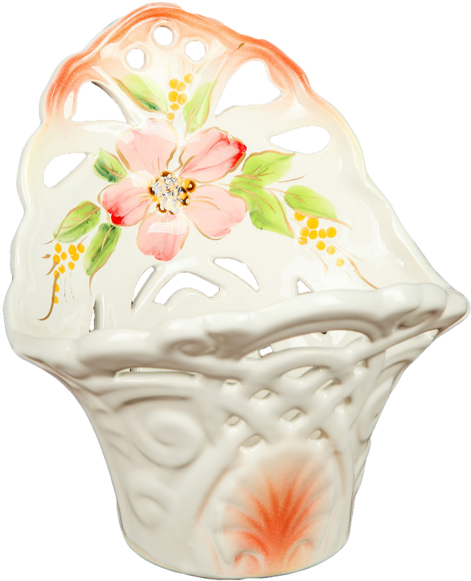 Конфетница Керамика ручной работы Резная, цвет: белый2742180Ваза для конфет украсит любую квартиру, дачу или офис. Преподнести её в качестве подарка друзьям или близким – отличная идея. Необычный дизайн и расцветка может вписаться в любой интерьер и стать его уникальным акцентом. Вещь предназначена для подачи конфет, сухофруктов или восточных сладостей.