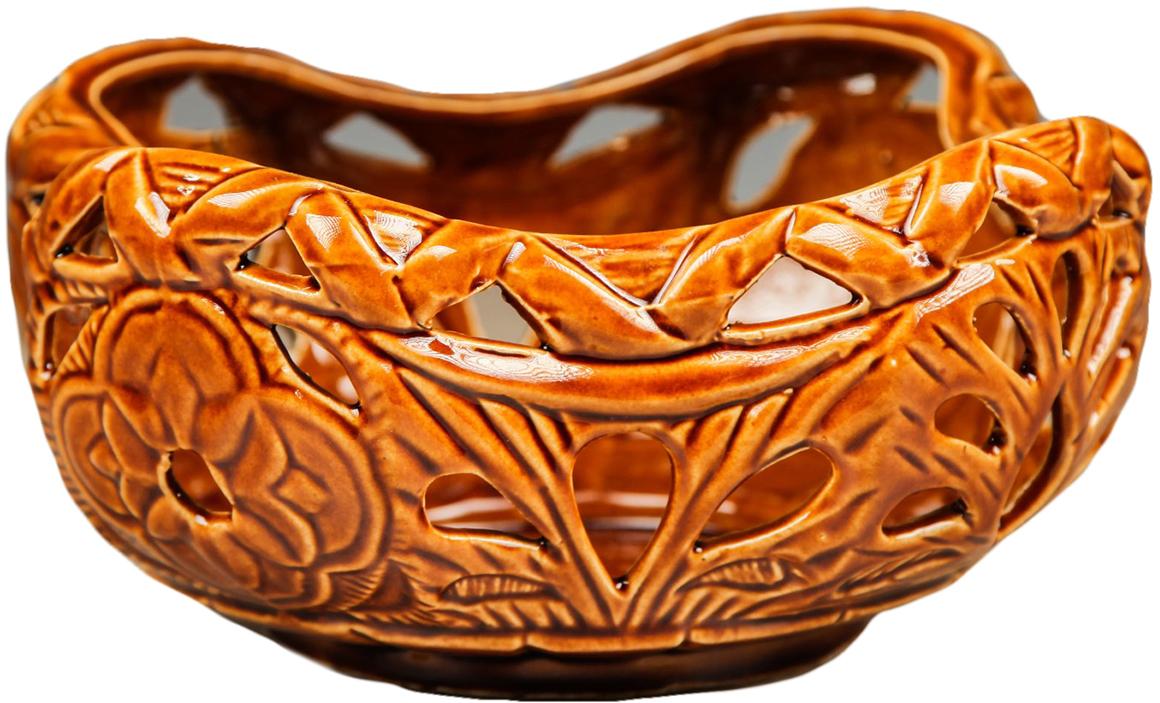 Конфетница Керамика ручной работы Диана, цвет: коричневый2921088Ваза для конфет украсит любую квартиру, дачу или офис. Преподнести её в качестве подарка друзьям или близким – отличная идея. Необычный дизайн и расцветка может вписаться в любой интерьер и стать его уникальным акцентом. Вещь предназначена для подачи конфет, сухофруктов или восточных сладостей.
