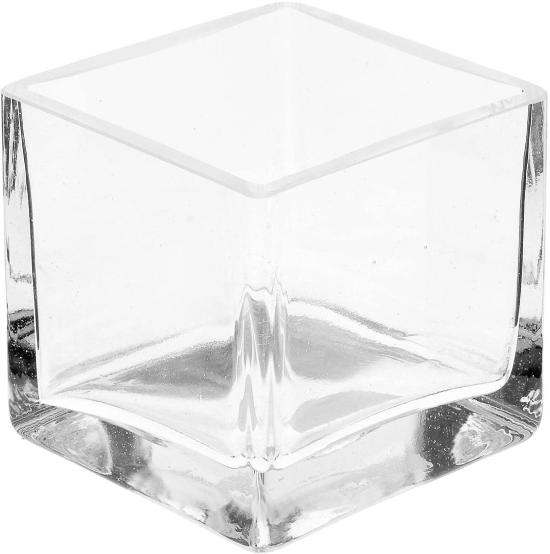 Ваза Evis Кубик, 0,5л832405Воплотите в жизнь самые смелые дизайнерские идеи по украшению дома! Ваза из прозрачного стекла - основа для вашего творчества. Насыпьте в неё цветной песок, камушки, ракушки или другой декор. Создавайте восхитительные интерьерные композиции из цветов и зелени. Ваза Кубик 0,5л станет незабываемым подарком, если поместить в неё конфеты или другие сладости. Дайте волю фантазии! Каждая ваза выдувается мастером - вы не найдёте двух совершенно одинаковых. А случайный пузырёк воздуха или застывшая стеклянная капелька на горлышке лишь подчёркивают её уникальность.