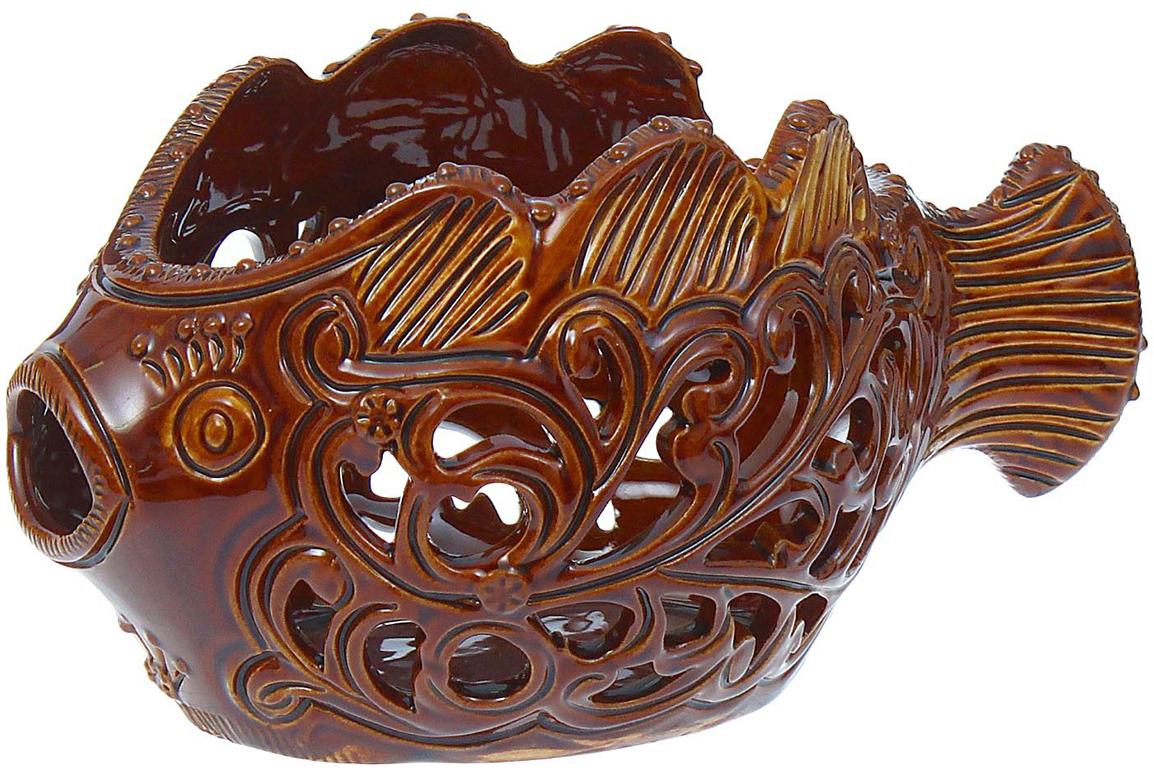 Конфетница Керамика ручной работы Рыбка, цвет: коричневый, резка855156Ваза для конфет украсит любую квартиру, дачу или офис. Преподнести её в качестве подарка друзьям или близким – отличная идея. Необычный дизайн и расцветка может вписаться в любой интерьер и стать его уникальным акцентом. Вещь предназначена для подачи конфет, сухофруктов или восточных сладостей.