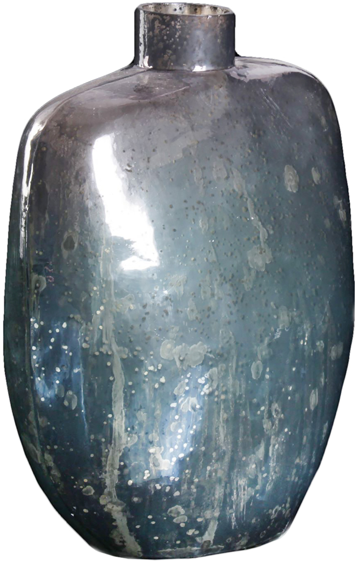 Ваза Амулет, цвет: синий, 26 см1044296Удивительной красоты Ваза Амулет создана индийскими мастерами-ремесленниками из высококлассного стекла. Экзотический дизайн, неповторимый декор, изысканный эффект старины - всё это придаёт шик этому прекрасному сосуду под цветы. Преподнесите его ценительнице путешествий, любительнице креативных предметов интерьера и просто личности с хорошим вкусом. Элегантный и в то же время диковинный аксессуар привнесёт нотки изыска и королевской роскоши.