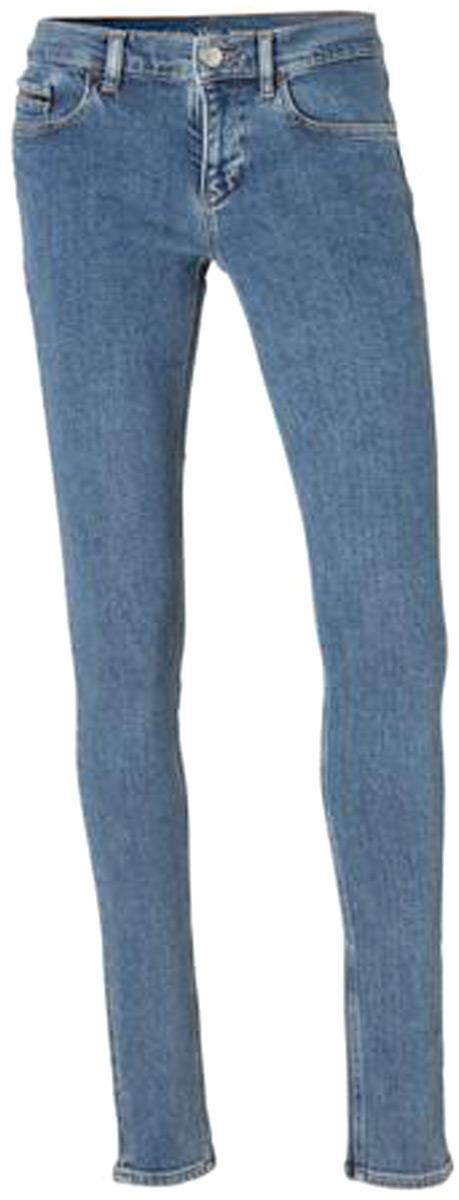 Джинсы женские Calvin Klein Jeans, цвет: синий. J20J206633_9123. Размер 29-32 (44/46-32)J20J206633_9123Стильные женские джинсы Calvin Klein Jeans выполнены из эластичного хлопка. Модель облегающего кроя со средней посадкой на талии. Джинсы застегиваются на металлическую пуговицу в поясе и ширинку на застежке-молнии, имеются шлевки для ремня. Изделие дополнено спереди двумя декоративными карманами и маленьким накладным кармашком, а сзади - двумя накладными карманами.