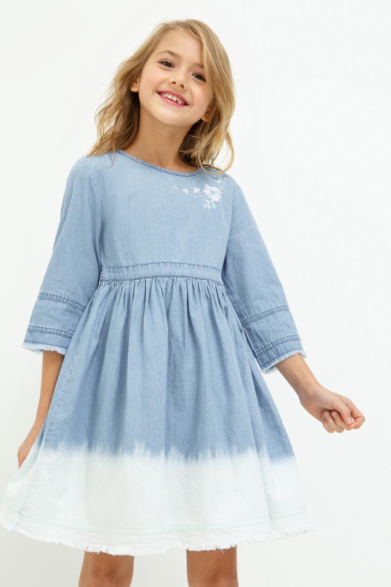Платье для девочки Acoola Fairy, цвет: синий. 20210200206_500. Размер 16420210200206_500Джинсовое платье с эффектом деграде на юбке, декорированное вышивкой. Модель имеет свободный силуэт, круглый вырез горловины, застежку-молнию на спинке. Рукава длиной три четверти с необработанными манжетами. Без подкладки.